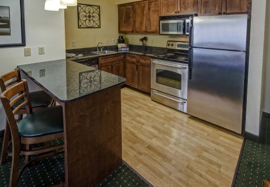 Southaven, MS: Studio King Suite Kitchen