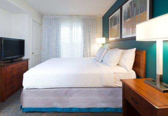 Stanhope, นิวเจอร์ซีย์: One-Bedroom Suite - Bedroom