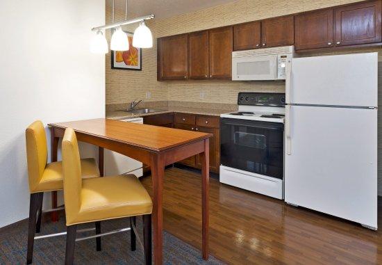 Stanhope, นิวเจอร์ซีย์: Fully Equipped Kitchen