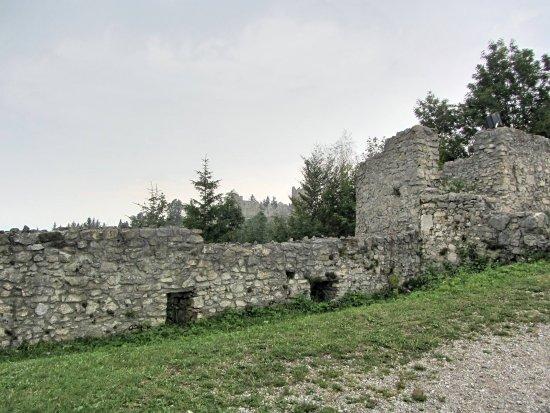 Burg Hohenfreyberg seen from Burg Eisenberg