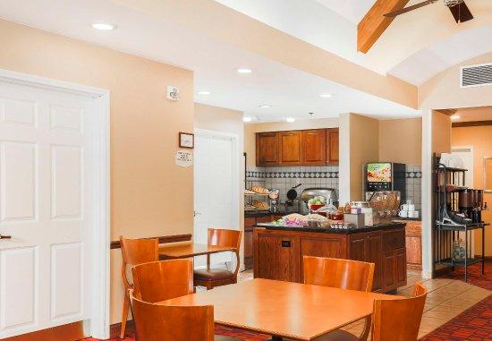 Morgan Hill, Kalifornien: Breakfast Buffet