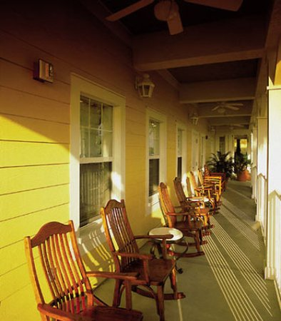Residence Inn Orlando at SeaWorld: Porch Area