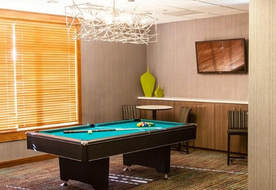 Westlake Village, CA: Billiards Room