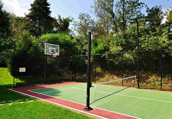 North Dartmouth, MA : Sport Court
