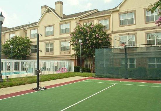 Huntersville, Carolina del Norte: Sports Court