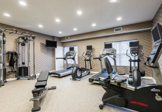 Wayne, NJ: Fitness Center