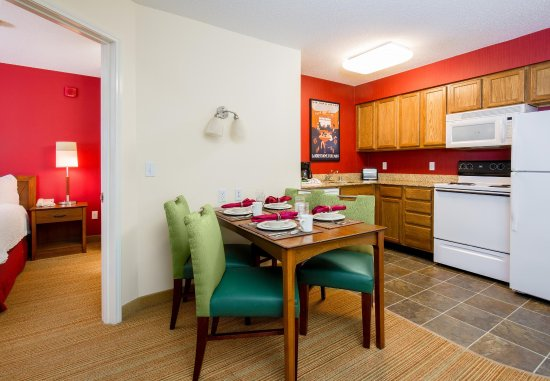 Bloomingdale, IL: Two-Bedroom Suite - Kitchen