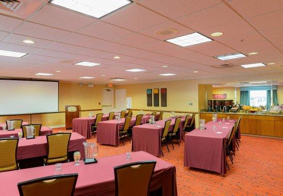 ريزدنس إن باي ماريوت فريدريك: Meeting Room – Classroom Setup