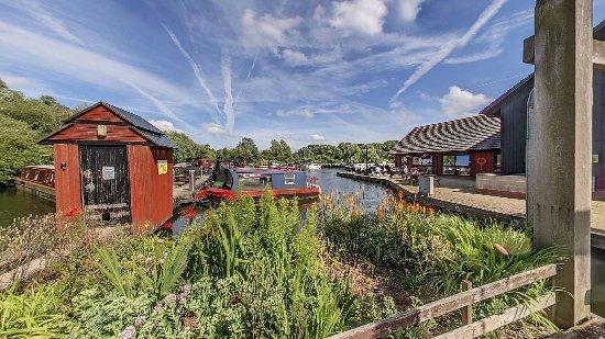 Hayes, UK: boat