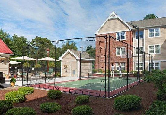 Avon, CT : Sport Court