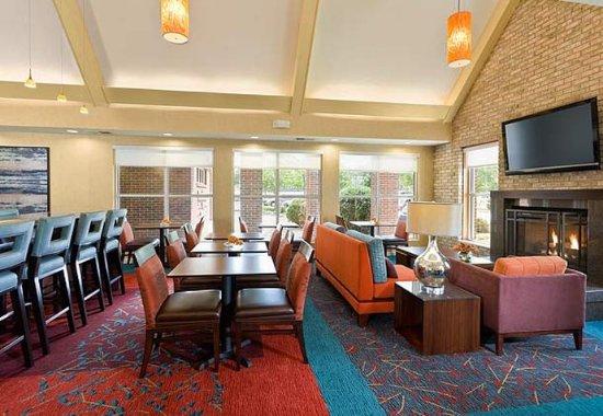 Cedar Rapids, Αϊόβα: Gatehouse Sitting Area