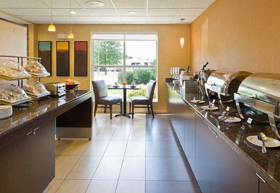 Cedar Rapids, Αϊόβα: Breakfast Buffet