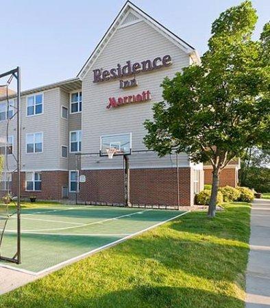 Cedar Rapids, IA: Sport Court