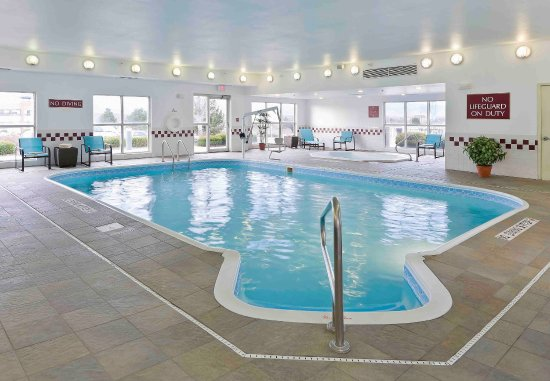 Westminster, CO: Indoor Pool & Hot Tub