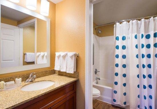 Milpitas, Californië: Suite Bathroom