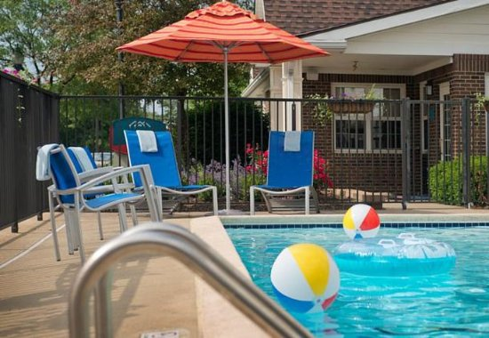 Middleburg Heights, OH: Outdoor Pool