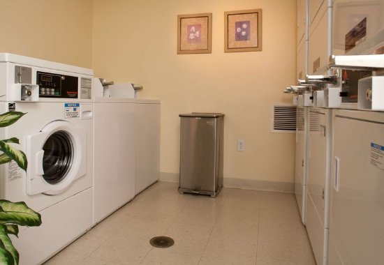 Bowie, MD: Guest Laundry