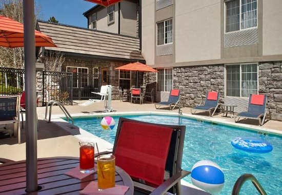 Englewood, CO: Outdoor Pool
