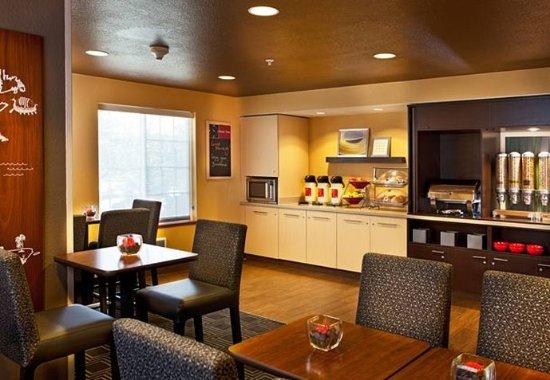 Littleton, Колорадо: Breakfast Area