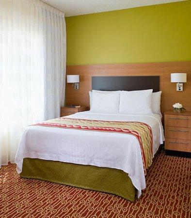 Bedford, TX: Suite Bedroom