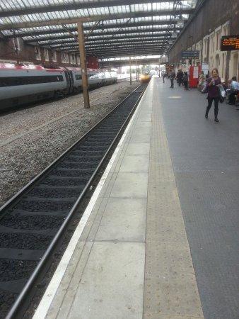 Stoke-on-Trent Railway Station: 20160920_115031_large.jpg