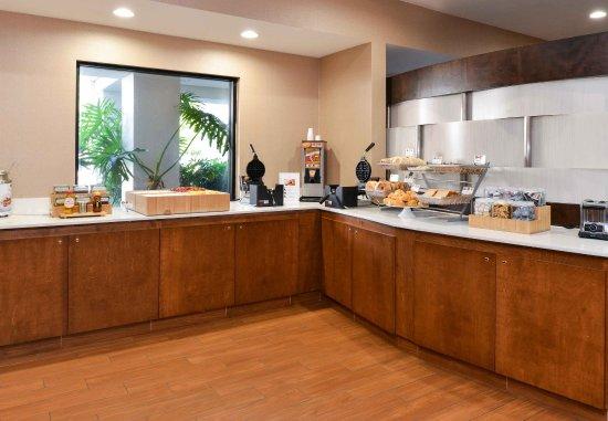 Аркадия, Калифорния: Breakfast Buffet