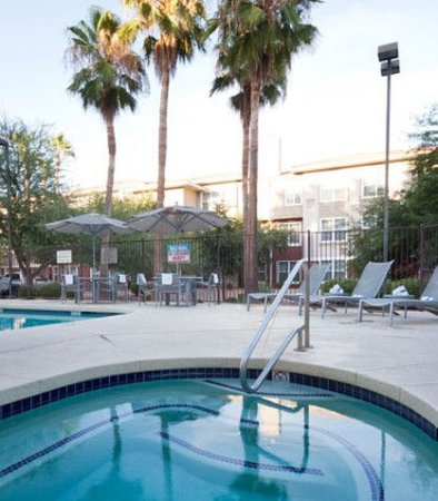 Chandler, Arizona: Outdoor Whirlpool