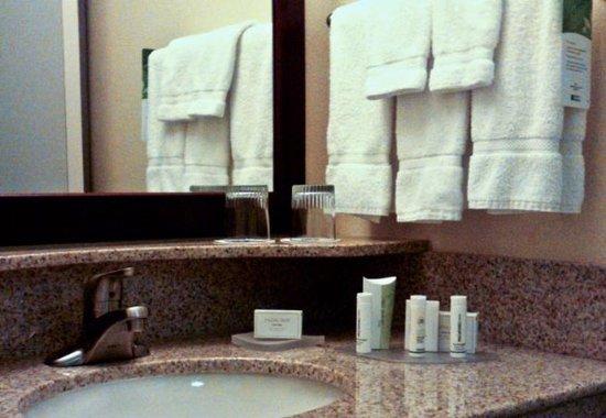 Lancaster, CA: Guest Bathroom