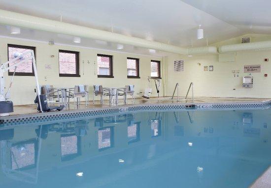 Peoria, IL: Indoor Pool & Whirlpool
