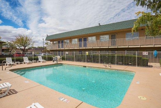 Motel 6 Holbrook: Pool