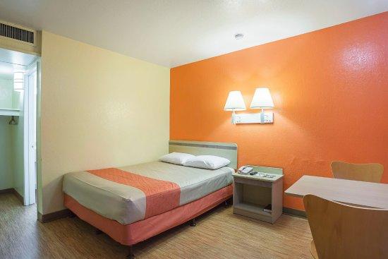 Motel 6 Holbrook: Guest Room