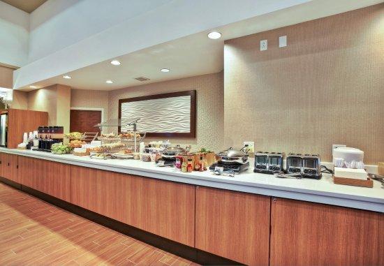 Burr Ridge, IL: Breakfast Buffet