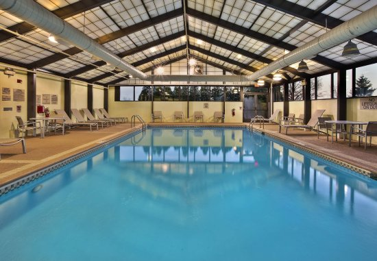Burr Ridge, IL: Indoor Pool