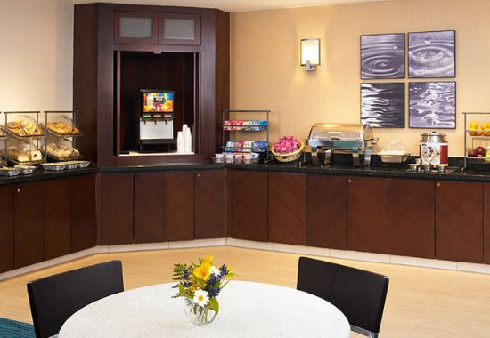 Lincolnshire, IL: Breakfast Buffet