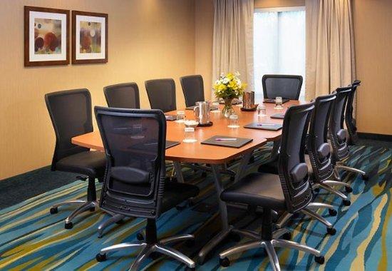 Lincolnshire, IL: Boardroom