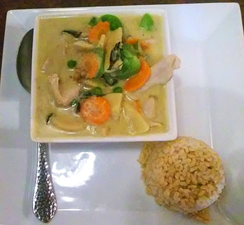 Lime Leaf Thai Fusion : Green Curry with pork
