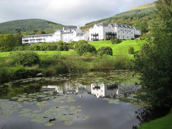 Macdonald Forest Hills Hotel & Spa: View from Garden walk