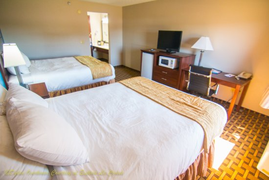 Onalaska, WI: 2 QUEEN ROOM- UPDATED