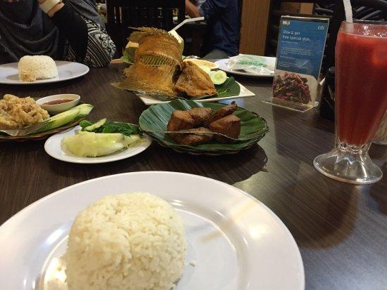 koki sunda, medan ulasan restoran tripadvisorIrdk Menerima Jemputan Makan Malam Di #5