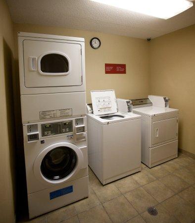 Warren, MI: Guest Laundry