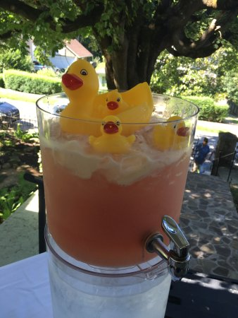 Bluefield, Virginia Occidental: Baby shower punch