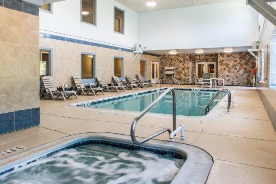 Columbia, PA: Pool
