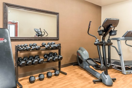 Comfort Inn Lancaster County: Fitness center