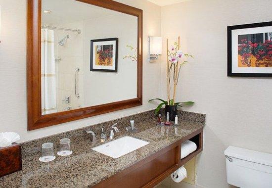 Pleasanton, كاليفورنيا: Guest Bathroom