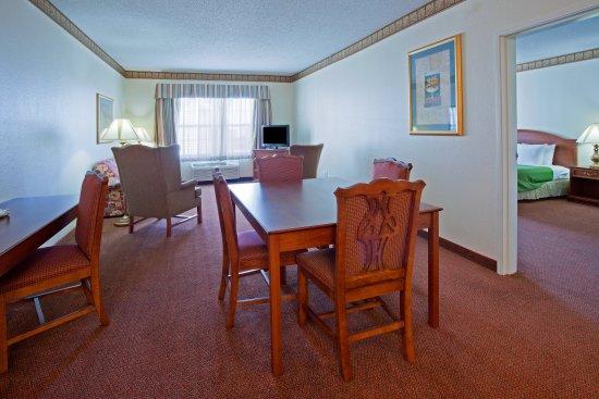 CountryInn&Suites Coralville  Suite