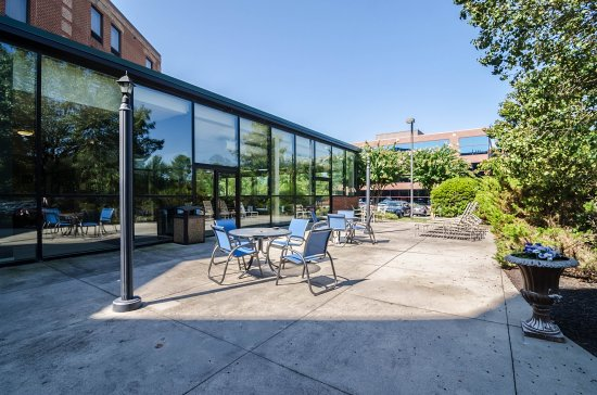 Glen Allen, VA: Courtyard