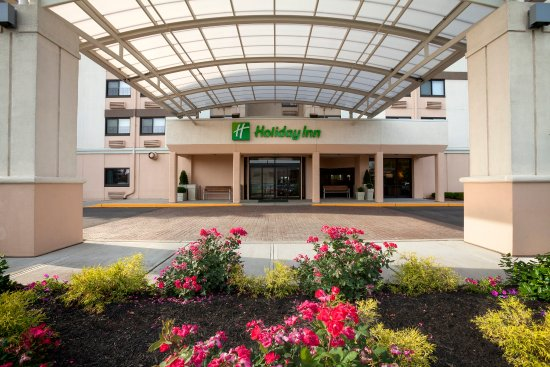 Welcome to Holiday Inn Newark Airport!