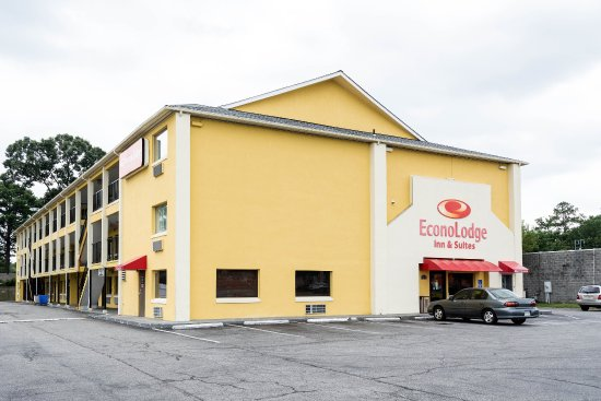 Econo Lodge Inn & Suites I-64 & US 13