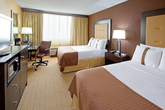 Holiday Inn Hotel & Suites Parsippany Fairfield: Double the guest experience