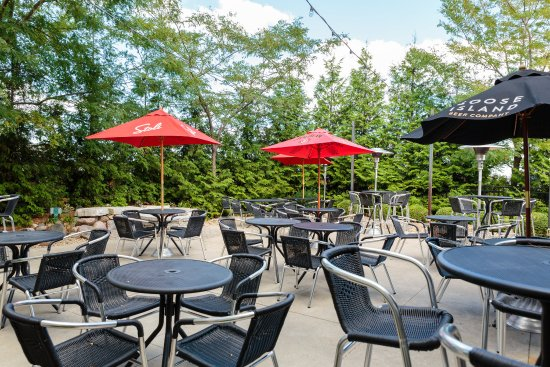 Bloomington, IL: Patio seating available at Baxters American Grille